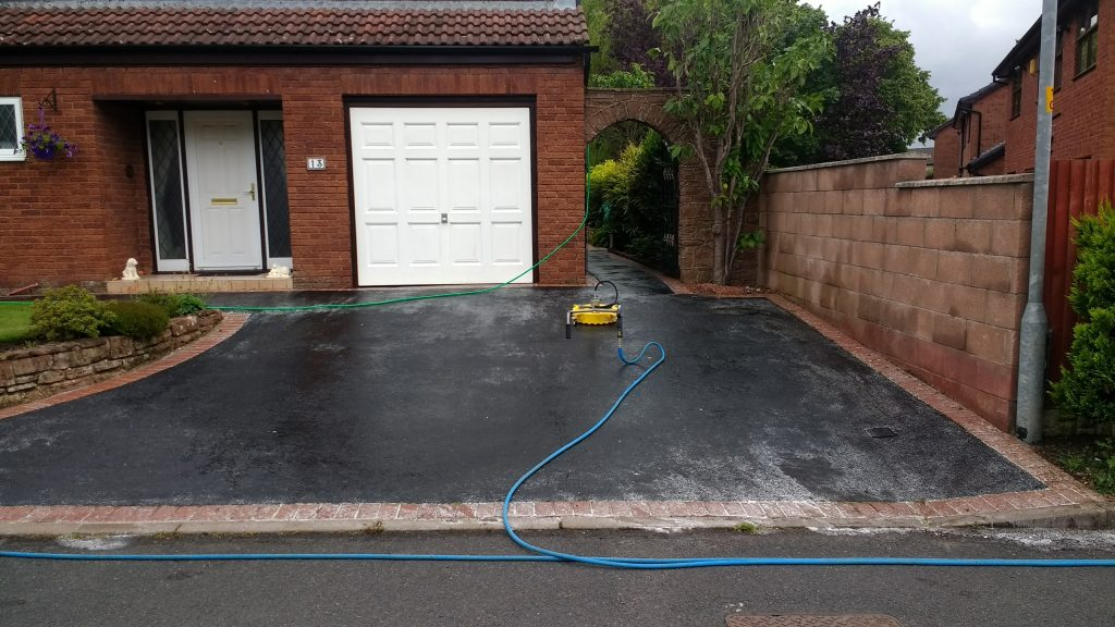 Tarmac Cleaning & Treating